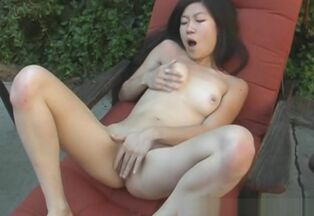 Teenage chick first-ever oral job
